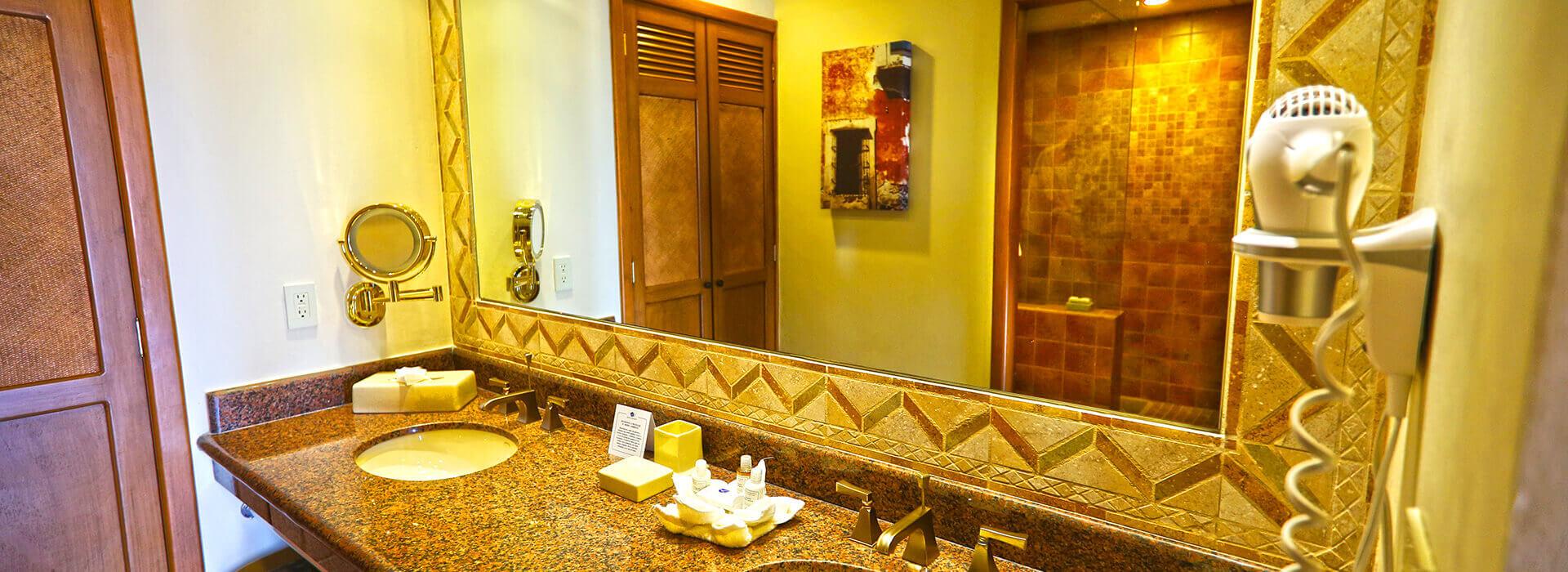 The Royal Haciendas junior suite