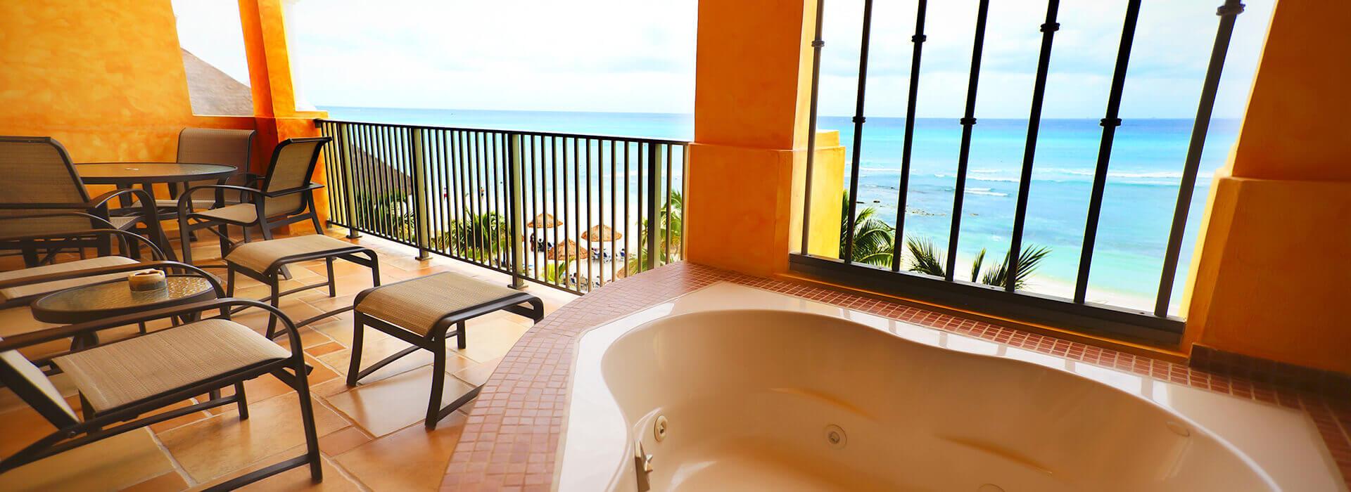 suite frente al mar con jacuzzi en la terraza