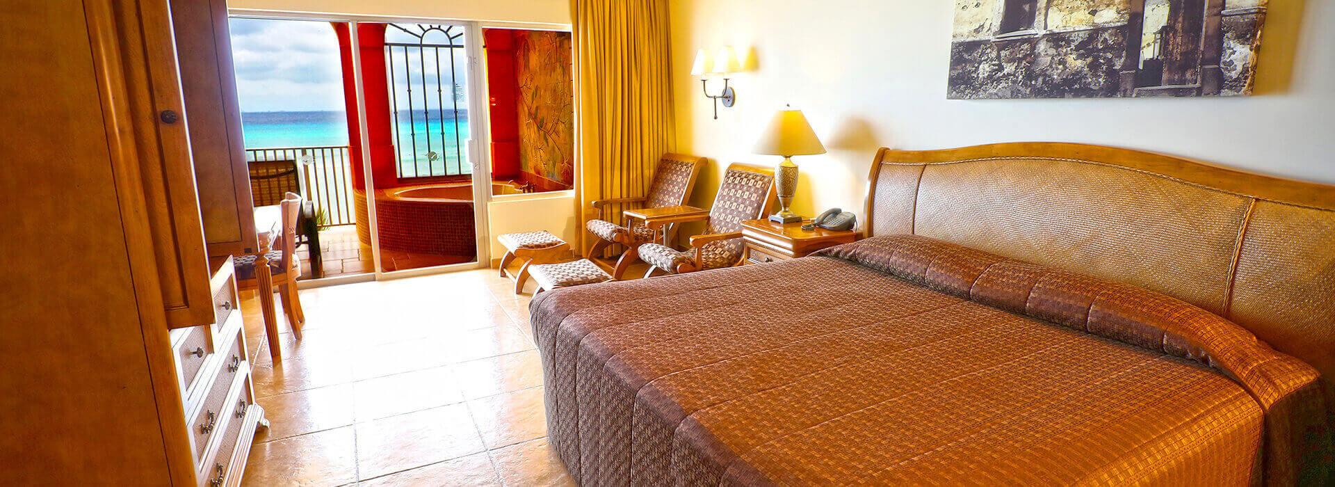 amplia habitación con cama king size