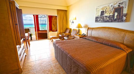 Beachfront suite The Royal Haciendas